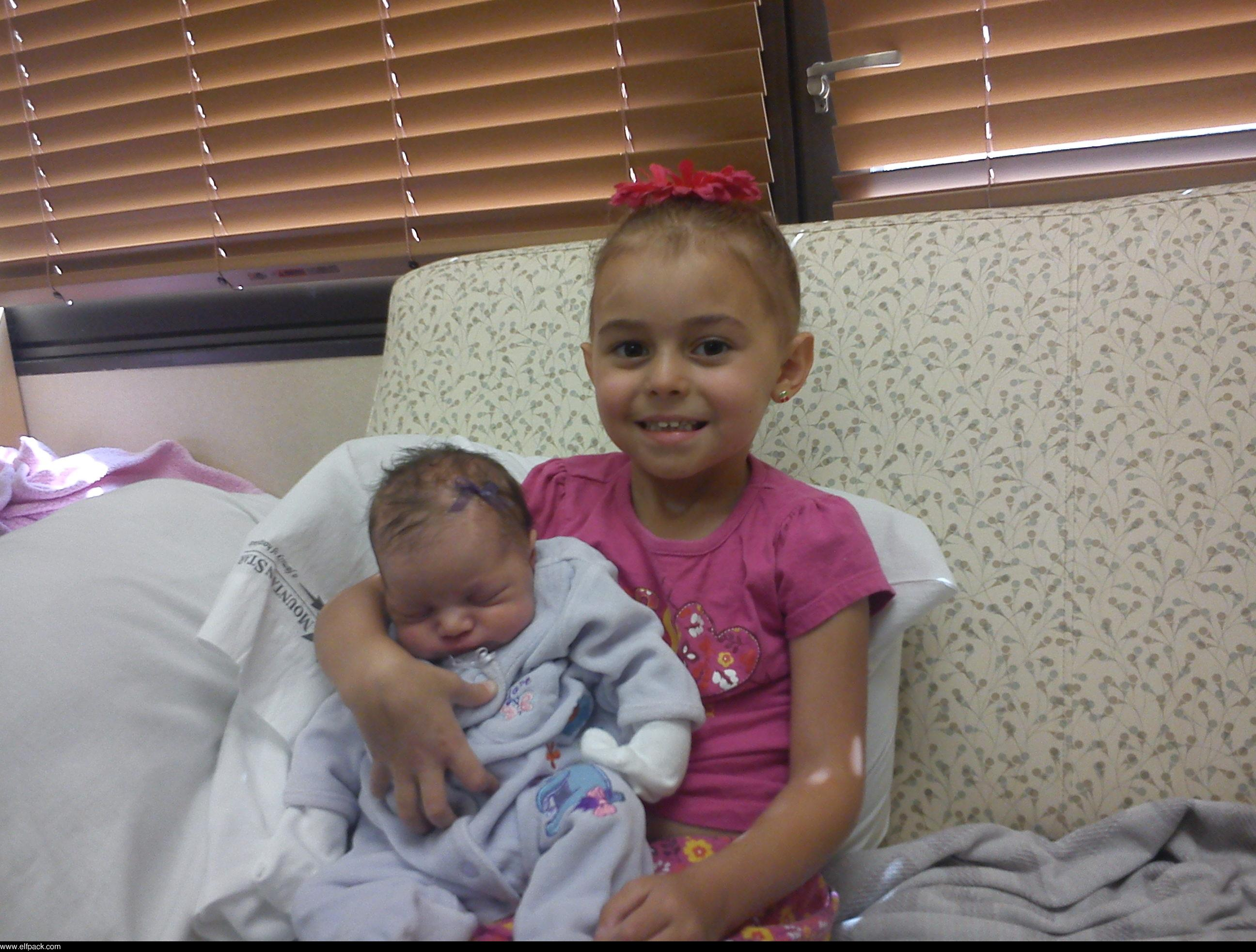 Brecklyn_&_Taytem_my_wonderful_nieces